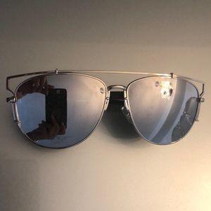 Silver Mirrored Lens UVA/B Sunglasses- like new